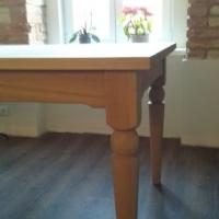 helltre eik bord med dreiede ben