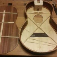 steel string baritone ukulele konstruksjon