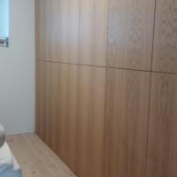 Garderobe / innebygd skap i eik