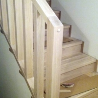 trapp i eik - rekkverk detalj